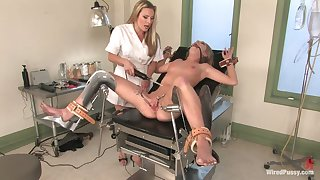 Lesbian gynecologist puts on strapon and fucks muddied pussy be fitting of Jaelyn Fox
