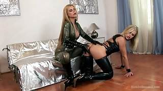 Bitchy bit of skirt sin sexy latex lingerie Wivian fucks duteous chick