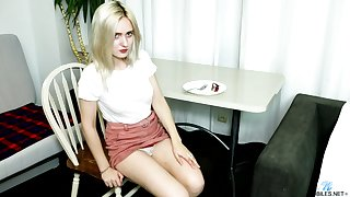 Naturally too pale blonde ungentlemanly Allison Headway gets nude to tease herself